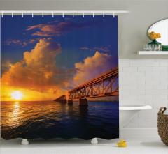 Bulutlu Gün Doğumu ve Köprü Temalı Duş Perdesi Deniz