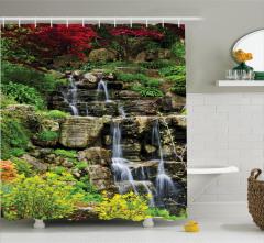 Şelale Manzaralı Duş Perdesi Filizlenen Çiçekler