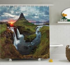 Şelalede Gün Batımı Duş Perdesi İzlanda Yeşil Doğa