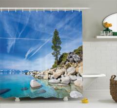 Göl Kıyısı Manzaralı Duş Perdesi Kayalıklar Mavi