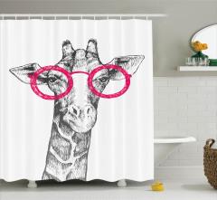 Kara Kalem Etkili Duş Perdesi Pembe Gözlüklü Zürafa