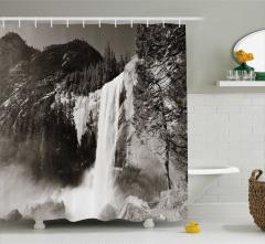 Şelale Manzaralı Duş Perdesi Siyah Beyaz Doğa Dağ