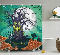 Cadılar Bayramı Temalı Duş Perdesi Yeşil Ağaç Korku