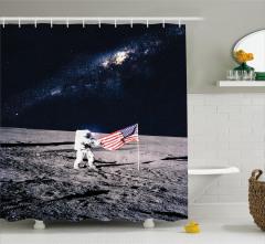 Uzay Temalı Duş Perdesi Lacivert Astronot Desenli