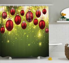 Kırmızı Top Desenli Duş Perdesi Noel Temalı Yeşil