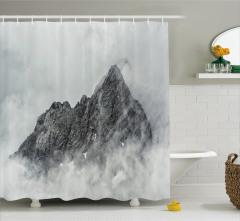 Karlı Dağ Manzaralı Duş Perdesi Gri Gökyüzü Doğa