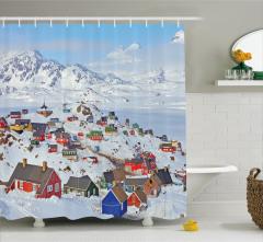 Rengarenk Ev ve Kar Manzaralı Duş Perdesi Şık Beyaz