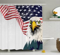 ABD Bayrağı ve Kartal Desenli Duş Perdesi Kırmızı