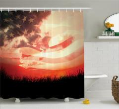 Kır ve Gökyüzü Desenli Duş Perdesi ABD Bayrağı Fonlu