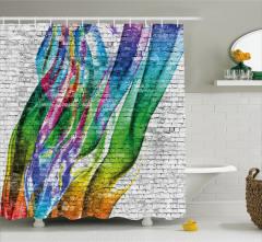 Rengarenk Duvar Resmi Desenli Duş Perdesi Beyaz Fon