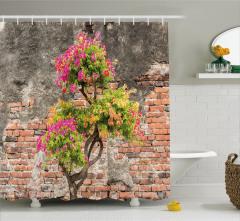Tuğla Duvar ve Ağaç Desenli Duş Perdesi Pembe Çiçek