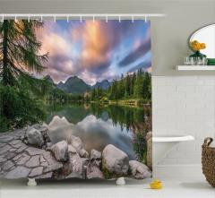 Romantik Göl Manzaralı Duş Perdesi Doğa Yeşil Bahar
