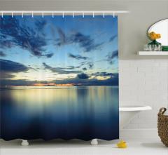 Mavi Duş Perdesi Deniz Gökyüzü Bulutlar Ufuk Çizgisi