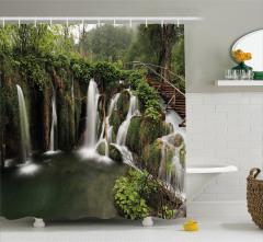 Şelale Orman ve Ahşap Köprü Temalı Duş Perdesi Yeşil