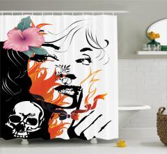 Kuru Kafa Kız ve Çiçek Desenli Duş Perdesi Dekoratif