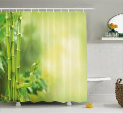 Yeşil Orman Manzaralı Duş Perdesi Sarı Arka Plan