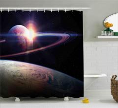 Uzayda Gün Doğumu Temalı Duş Perdesi Siyah Gezegen