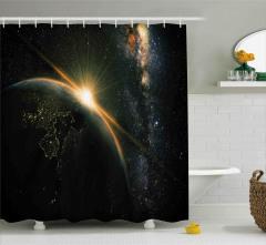 Uzayda Gün Doğumu Temalı Duş Perdesi Siyah Sarı