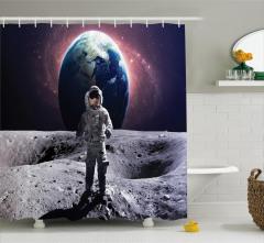 Ay'daki Astronot Temalı Duş Perdesi Gri Dünya Uzay