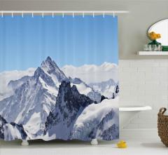 Karlı Kayalık Dağlar Desenli Duş Perdesi Bulutlu