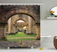 Antik Kemerler ve Çimen Duş Perdesi Dekoratif