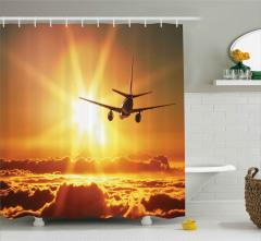 Yolcu Uçağı Güneş Yolunda Duş Perdesi Bulutlu