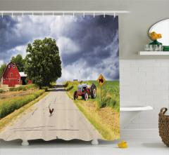 Traktör ve Kır Yolu Duş Perdesi Horoz Gökyüzü Bulut