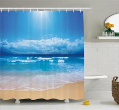 Sahile Vuran Dalgalar Duş Perdesi Mavi Gökyüzü