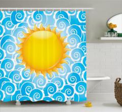 Mavi Dalgalar ve Güneş Duş Perdesi Gökyüzü Yaz Şık