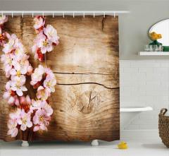 Ahşap Üstü Pembe Çiçekler Duş Perdesi Dekoratif