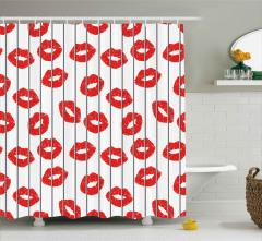 Kafesteki Kırmızı Dudaklar Duş Perdesi Dekoratif