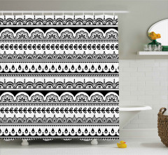 Etnik Çiçek Desenli Duş Perdesi Siyah Beyaz Şık