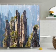Görkemli Uçurum Manzarası Duş Perdesi Yeşil Doğa