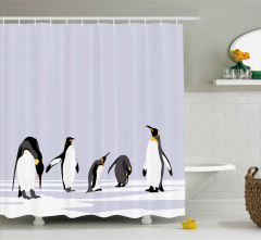 Sevimli Penguenler Desenli Duş Perdesi Buz Kar Kış