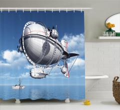 Zeplin ve Tekne Duş Perdesi Mavi Gökyüzü Deniz Şık
