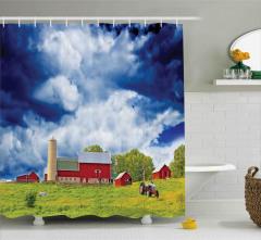 Amerikan Çiftliği Duş Perdesi Bulutlu Gökyüzü Ağaç