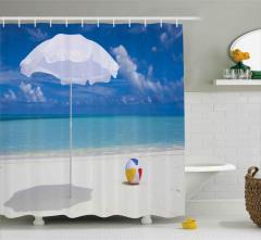Kumsaldaki Şemsiye ve Top Duş Perdesi Deniz Bulut