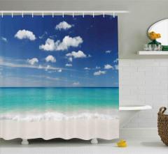 Beyaz Kumlu Plaj Duş Perdesi Bulut Turkuaz Deniz