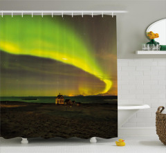 Ev ve Kuzey Işıkları Duş Perdesi Yeşil Gökyüzü