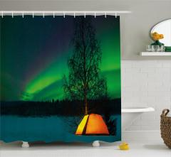 Çadırdan Gökyüzüne Bakış Duş Perdesi Yeşil Gökyüzü