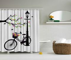 Çiçek ve Bisiklet Desenli Duş Perdesi Siyah Beyaz