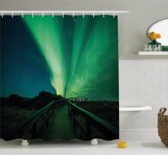 Kuzey Işıkları ve Köprü Duş Perdesi Gökyüzü Yeşil