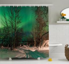 Orman ve Kuzey Işıkları Duş Perdesi Yeşil Gökyüzü