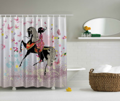 At ve Kız Temalı Duş Perdesi Pembe Kelebek Çiçek