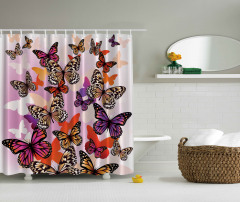 Rengarenk Kelebek Desenli Duş Perdesi Şık Tasarım