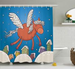 Kanatlı At ve Binalar Duş Perdesi Mavi Gökyüzü