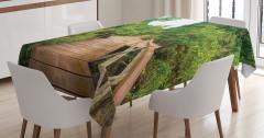 Doğada Yolculuk Temalı Masa Örtüsü Yeşil Orman