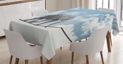 İp Üstünde Fil ve Gökyüzü Temalı Masa Örtüsü Beyaz