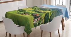 Yaylada Hayat Temalı Masa Örtüsü Orman Dağ Yeşil