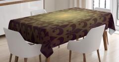 Zambak Sembolü Desenli Masa Örtüsü Şık Tasarım